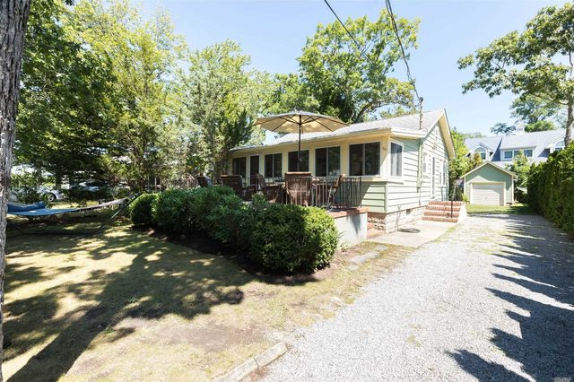 50 Beach Road Laurel, NY 11948